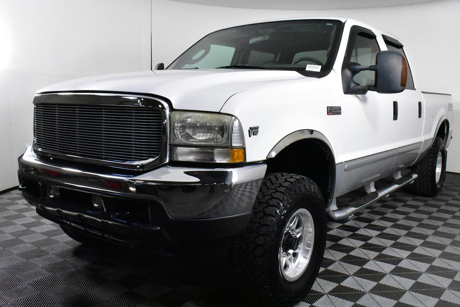 Pre-Owned 2003 Ford Super Duty F-250 Lariat