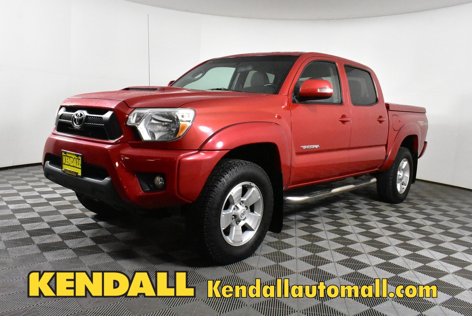 Pre-Owned 2014 Toyota Tacoma DBL CAB 4WD V6 AT