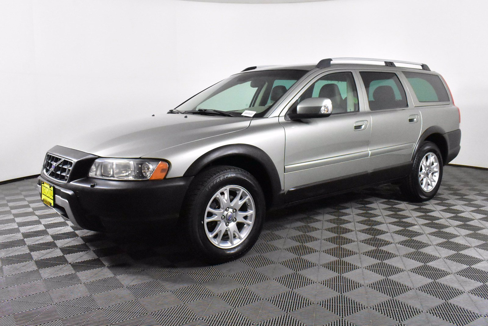 Pre-Owned 2007 Volvo XC70 4DR WGN AWD AT SR